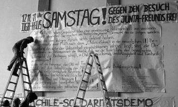 Wandzeitung in der Kunsthochschule Hamburg 1973 © Holger Rüdel