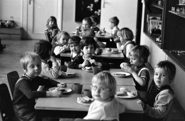 Evangelischer Kindergarten in Kiel 1970 © Holger Rüdel