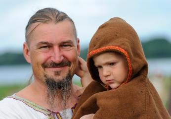 Wikinger mit Sohn © Holger Rüdel