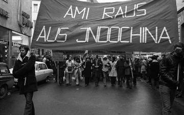 Demonstration gegen den Vietnamkrieg Bonn 1973 © Holger Rüdel