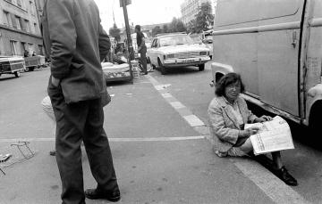 Flohmarkt in Paris 1971 © Holger Rüdel