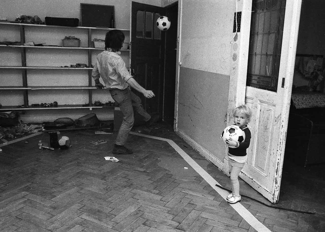 kinderladen kiel 1970 neue fotos holger r del fotografie. Black Bedroom Furniture Sets. Home Design Ideas