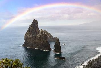 Madeira, Blick auf Ilheus da Ribeira da Janela © Holger Rüdel
