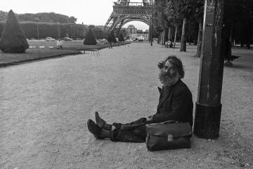Obdachloser in Paris 1971 © Holger Rüdel