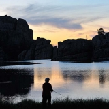 Anglerin am Sylvan Lake im Custer State Park South Dakota© Holger Rüdel