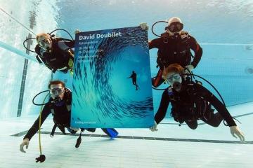 Tauchaktion für David-Doubilet-Ausstellung © Julian Mühlenhau