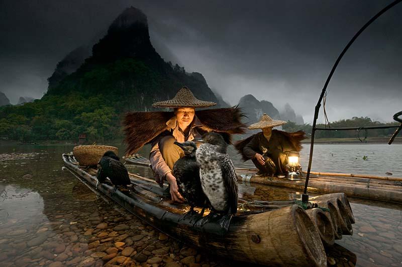 Art Wolfe – Nachtfischer in China