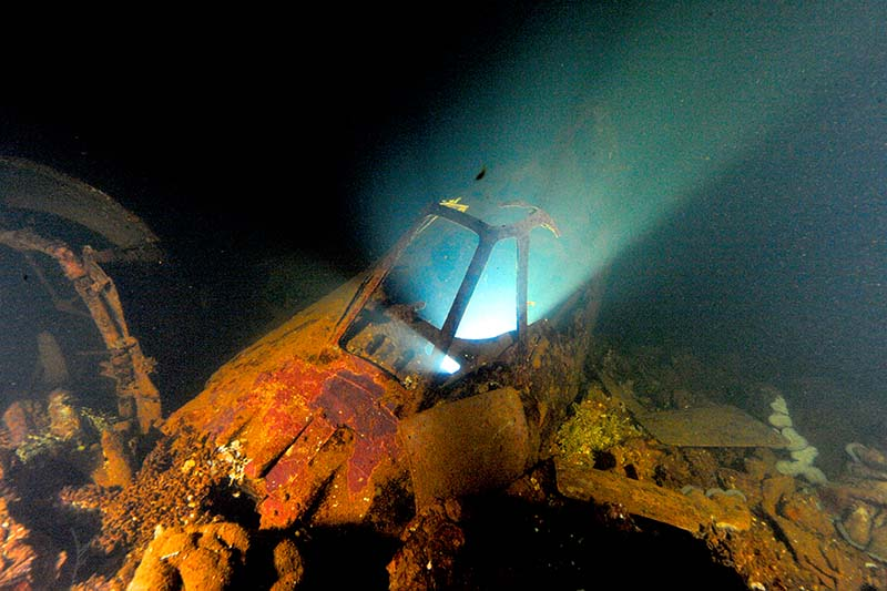 Japanese Zero in the hold of the Fujikawa Maru Chuuk Lagoon © David Doubilet and Jennifer Hayes