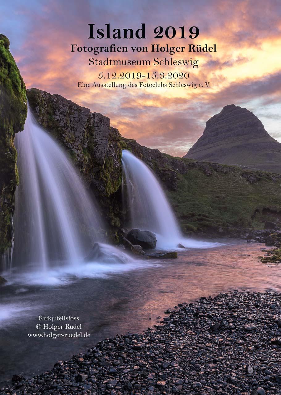 """Plakat zur Ausstellung """"Island 2019. Fotografien von Holger Rüdel"""" im Stadtmuseum Schleswig, 5.12.2019 bis 15.3.2020"""