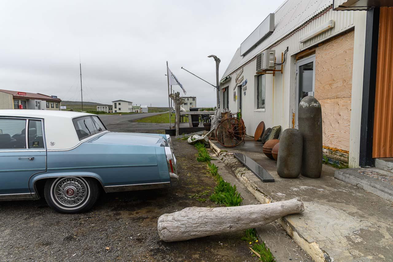 Der kleine Ort Raufarhöfn befindet sich als Teil der Gemeinde Norðurþing auf der Halbinsel Melrakkaslétta im Norden von Island.