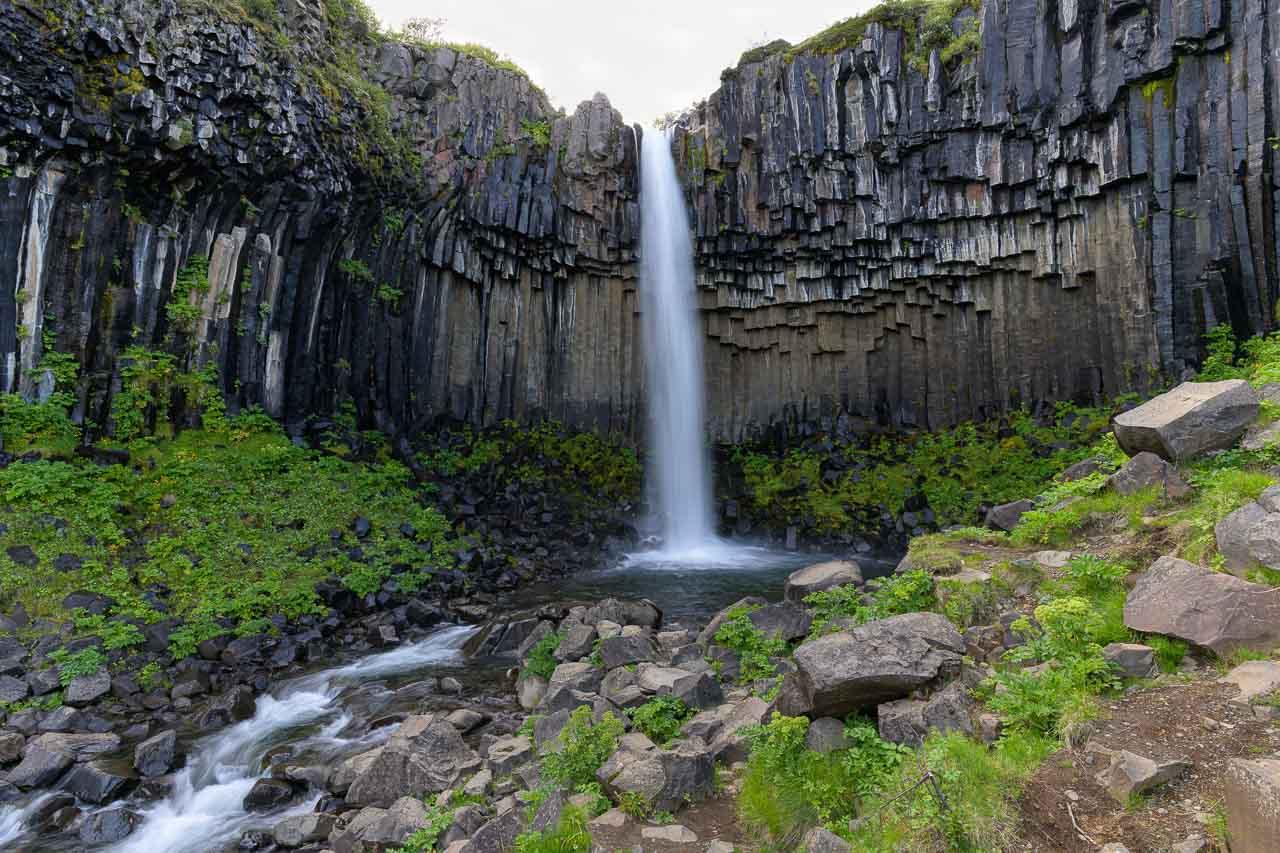 Island. Svartifoss