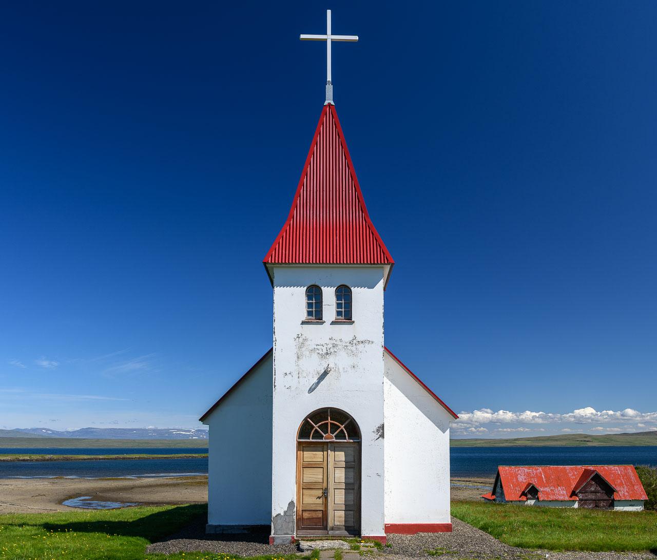 Island. Westfjorde. Gotteshäuser am Ende der Welt