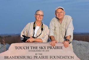 Jim und Judy Brandenburg in der Touch the Sky Prairie bei Luverne (Minnesota/USA) © Holger Rüdel