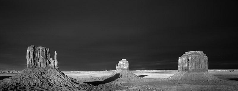 Monument Valley Infrarot © Holger Rüdel www.holger-ruedel.de