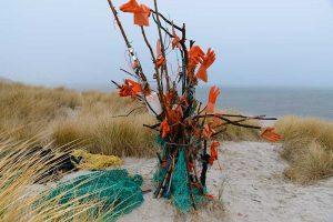 Strandgut-Kunst auf Sylt © Holger Rüdel www.holger-ruedel.de