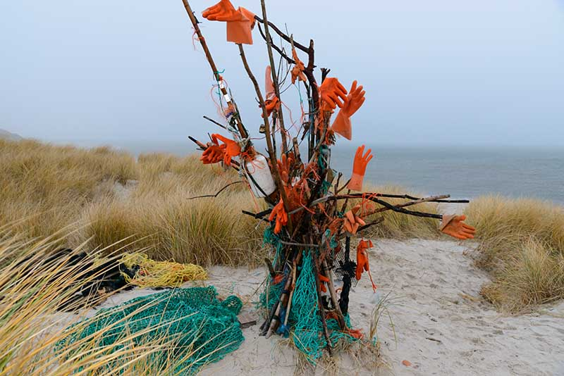Strandgut-Kunst auf Sylt © Holger Rüdel